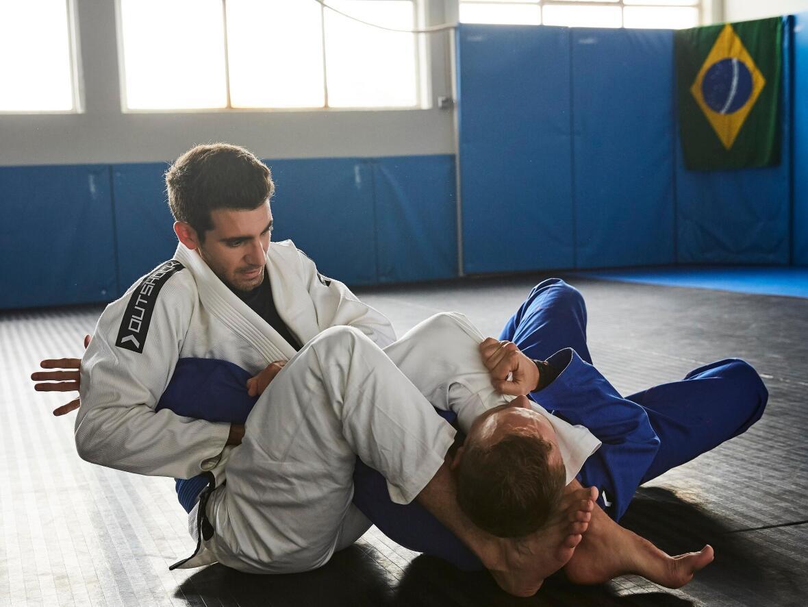 le jiu jitsu brésilien se fait essentiellement au sol
