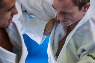 Qual o kimono de judo para cada nível de prática?