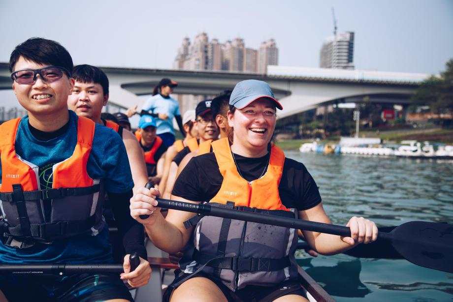 Dragonboat_land training