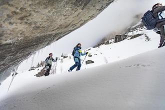 Apprenez à accrocher un leash sur vos ski de randonnée avec les conseils de wedze