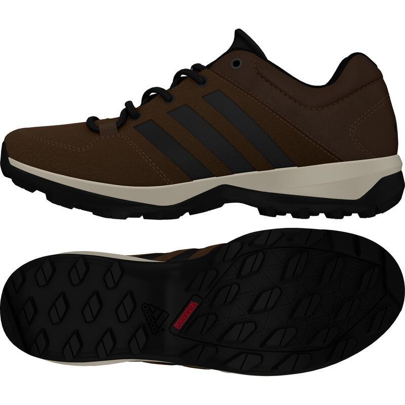 Chaussures adidas Daroga Plus