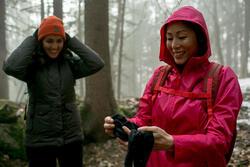 Damesjas voor trekking RainWarm 50 - 1009958