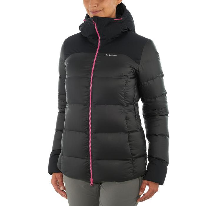 Chaqueta acolchada trekking en montaña TREK 900 WARM mujer negro
