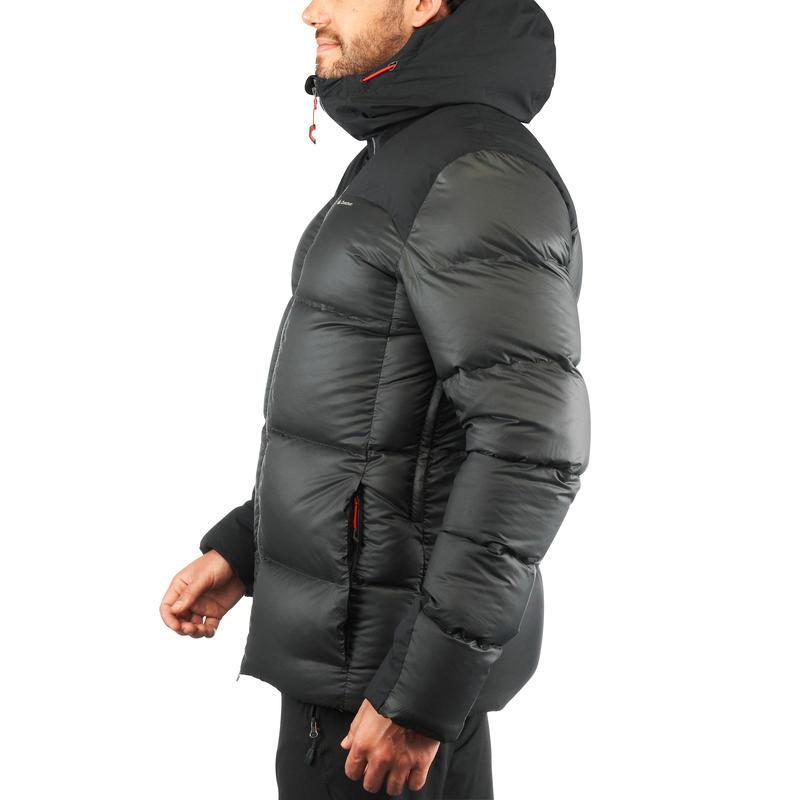 เสื้อแจ็คเก็ตดาวน์สำหรับผู้ชายใส่เทรคกิ้งบนภูเขารุ่น TREK 900 (สีดำ)