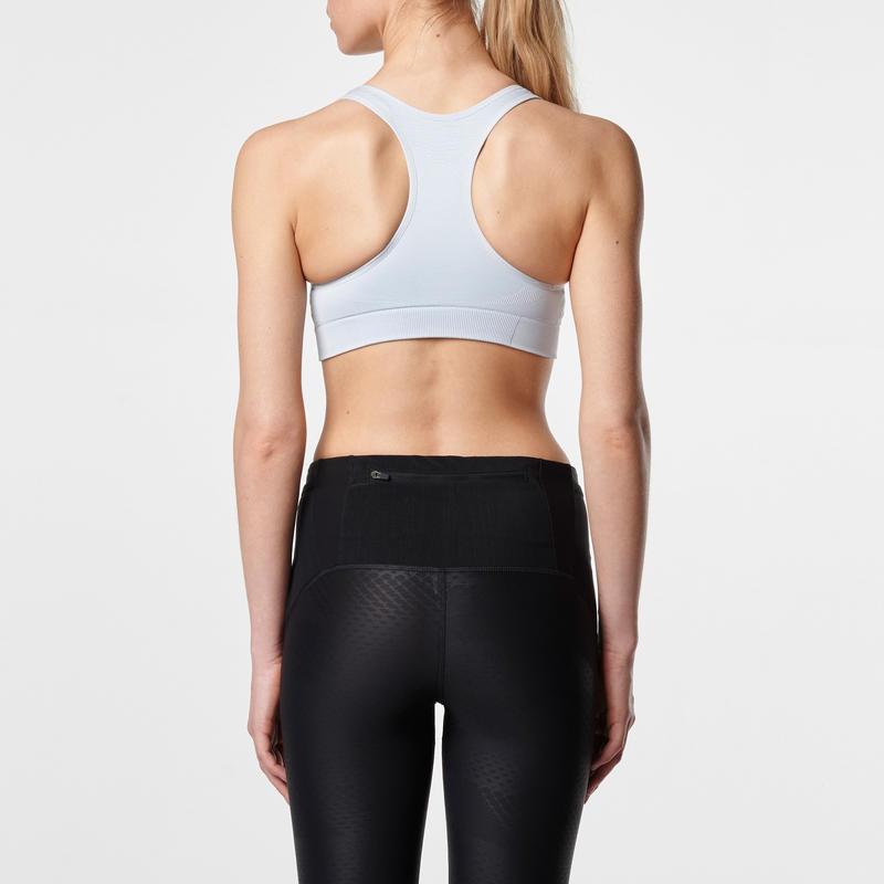 เสื้อกล้ามครึ่งตัวสำหรับวิ่ง FIRST (สีเทาอ่อน)