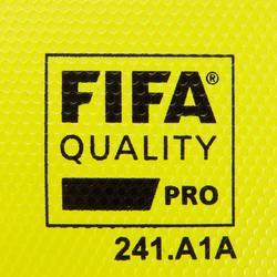 Voetbal F900 FIFA Pro maat 5 geel