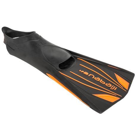 Palmes longues rigides natation topfins noir orange nabaiji for Pinne x piscina