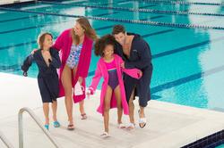 Roze badjas in licht katoen voor dames, met ceintuur en kap - 1038349