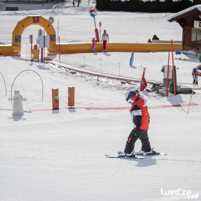 SKIDOR INTENSIV ANVÄNDNING Vintersport - Slalomskida KID 300 Junior blå WEDZE - Skidutrustning