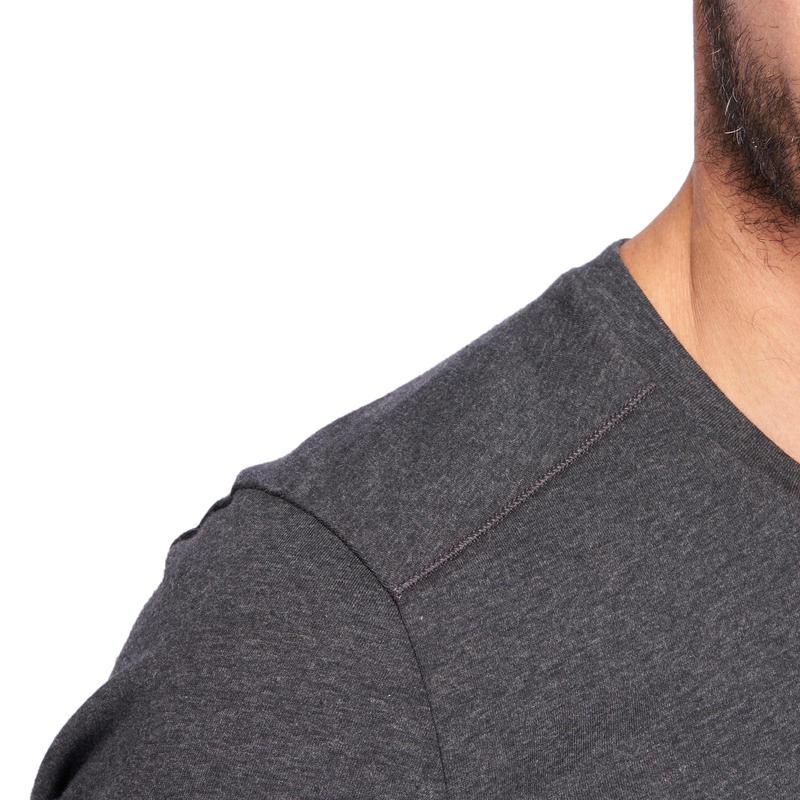 Camiseta 500 cuello V slim Pilates y Gimnasia suave hombre gris jaspeado oscuro