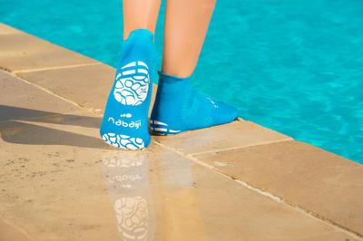גרבי מים לבנים- כחול