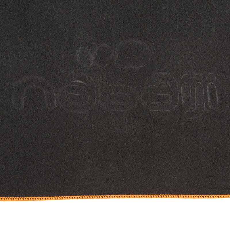 Toalla de microfibra gris oscuro ultra compacta talla L 80 x 130 cm