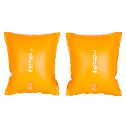 Oranje zwembandjes met twee luchtkamers voor kinderen van 30 tot 60 kg