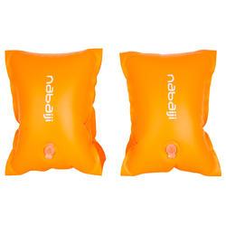 Oranje zwembandjes met twee luchtkamers voor kinderen van 11-30 kg