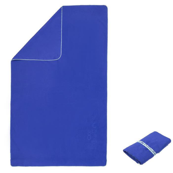 Serviette microfibre bleue foncée ultra compacte taille XL 110 x 175 cm