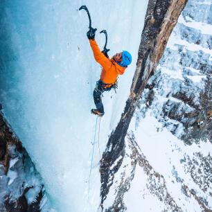 Eisklettern an gefrorenen Wasserfällen