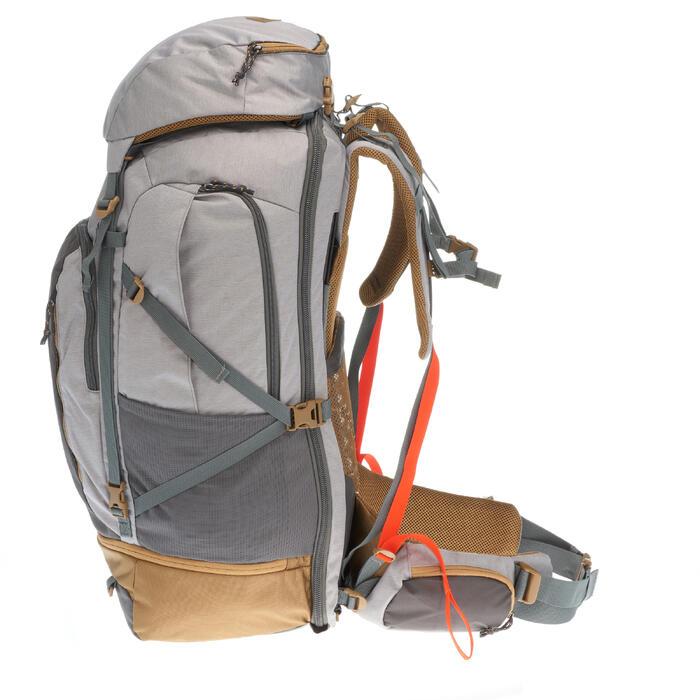 Mochila Trekking TRAVEL 500 mujer 70 litros apta para candado GRIS