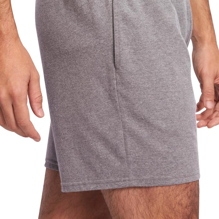 Halflange herenshort 100 voor gym en stretching regular fit lichtgrijs