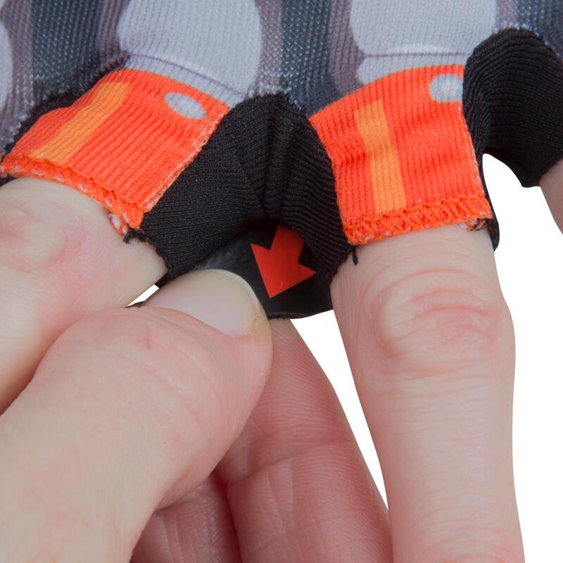 ถุงมือปั่นจักรยานแบบไม่มีนิ้วสำหรับเด็ก (ลายหุ่นยนต์)