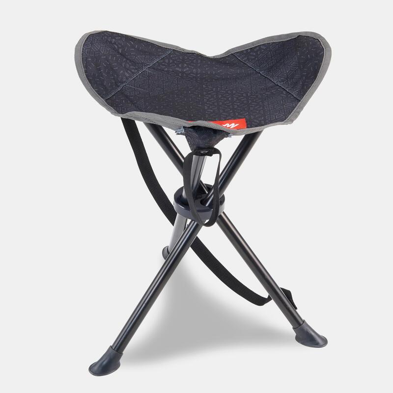 เก้าอี้สามขาสำหรับตั้งแคมป์