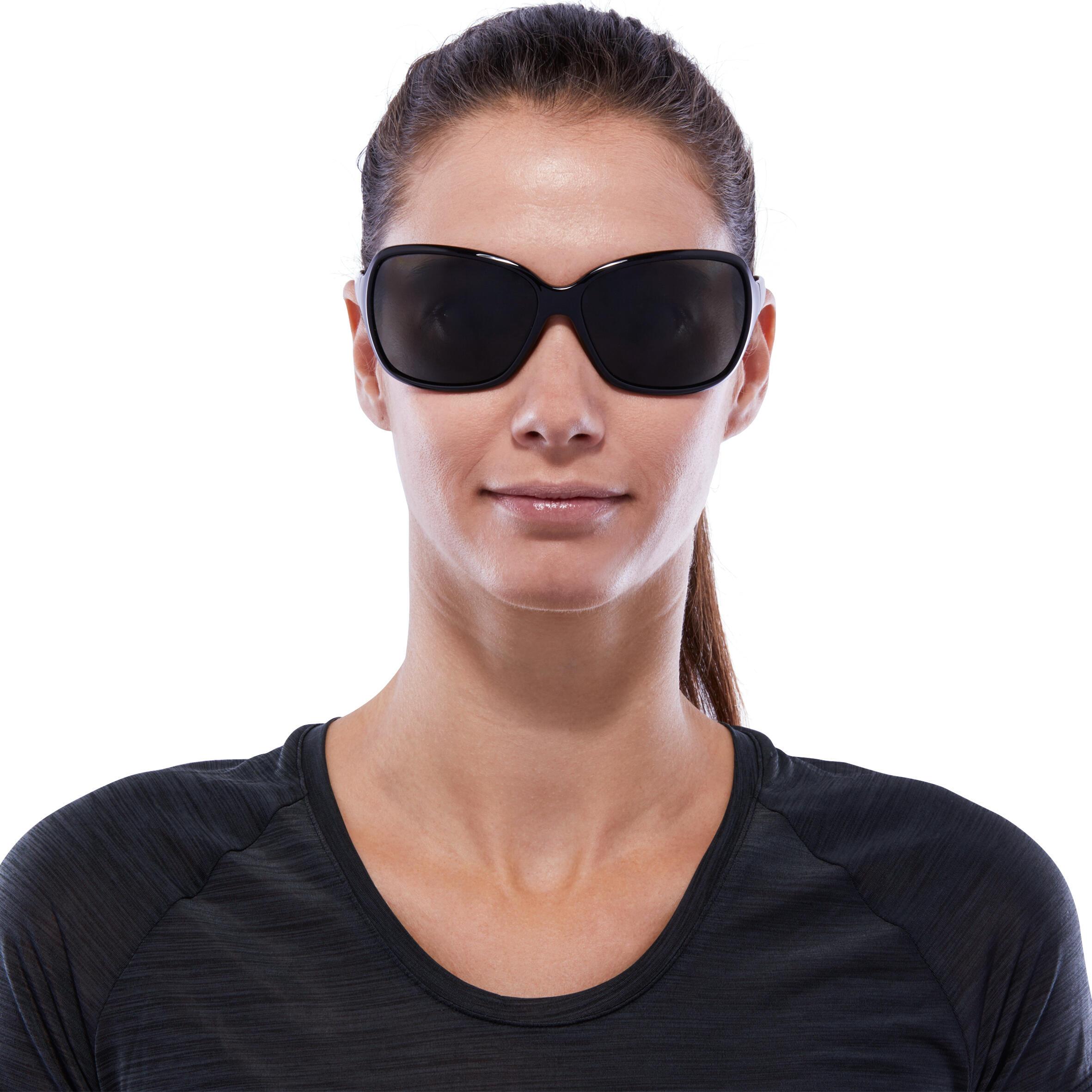 Lunettes de soleil de randonnée femme MH530W noires polarisantes catégorie 3