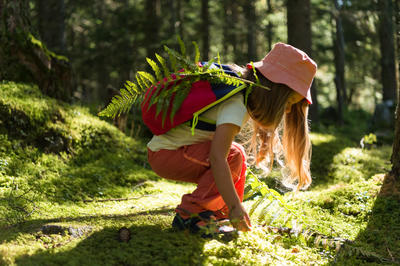 Arpenaz 7 Litre Junior Hiking Backpack - Blue/Orange
