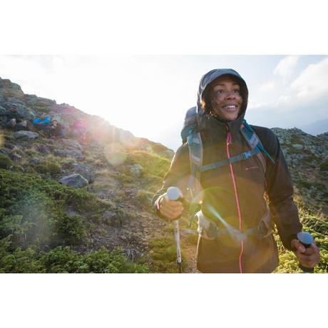 veste de pluie imperm able de randonn e montagne mh900 femme rouge orang quechua. Black Bedroom Furniture Sets. Home Design Ideas