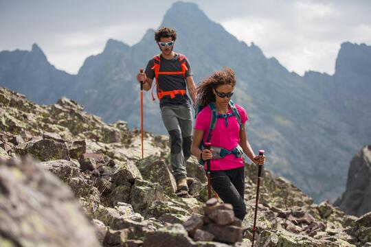 登山 | 單日登山,該準備哪些輕裝備?快來看必備清單!