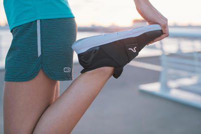 Soft 180 حذاء مشى رياضي للسيدات - وردي/أسود