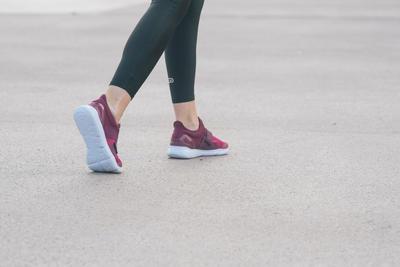 Chaussures marche sportive femme Soft 180 Strap violet / rose