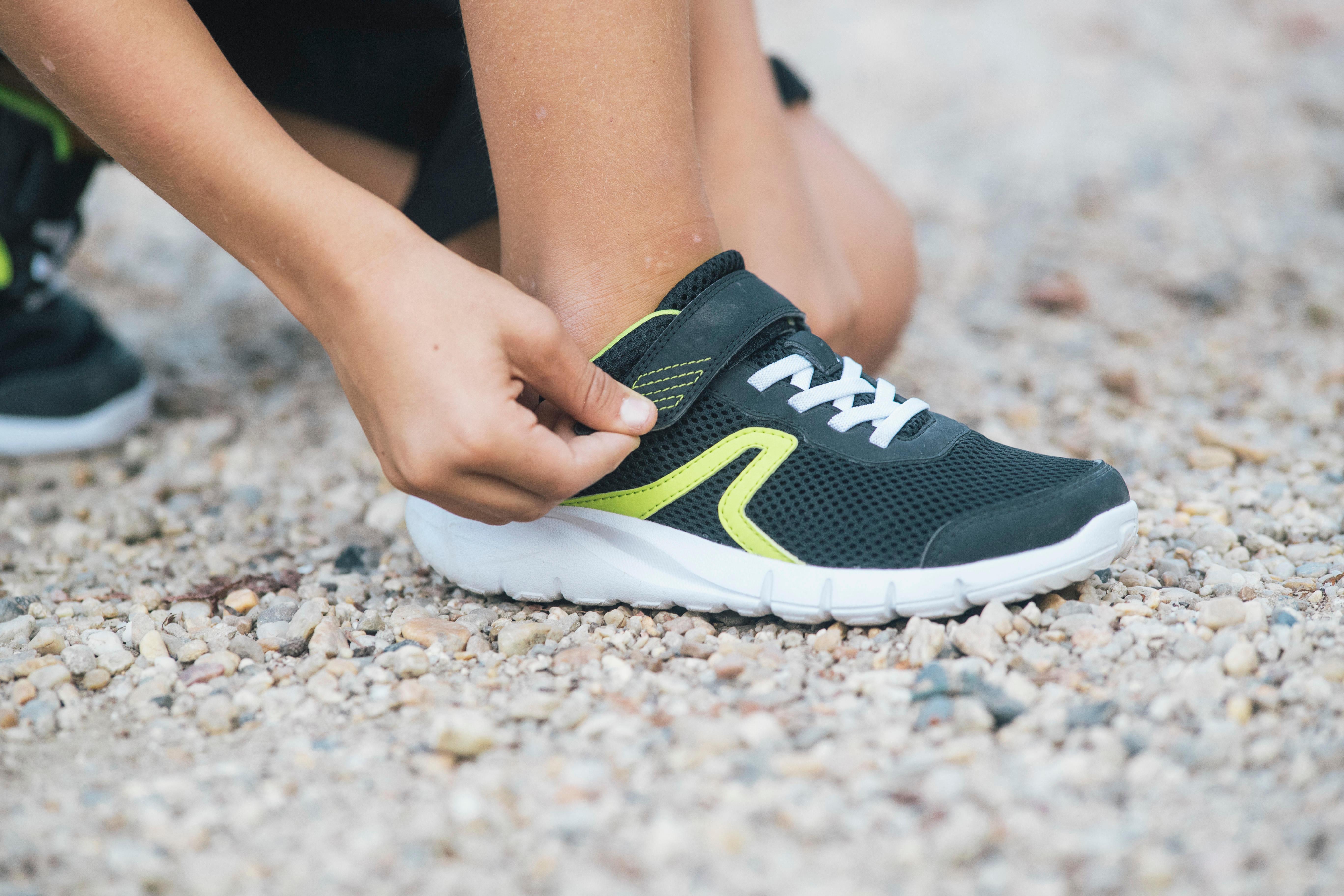 Walking shoes for kids soft 140 Fresh - Black/Yellow