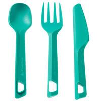 Ensemble de trois ustensiles de plastique (couteau, fourchette, cuillère)