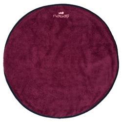 Serviette pour les pieds bi face bordeaux en microfibre douce diamètre 60 cm
