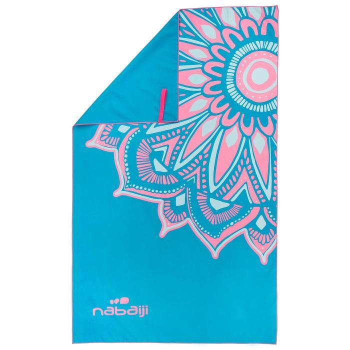 Supercompacte microvezelhanddoek blauw/roze print maat L 80 x 130 cm