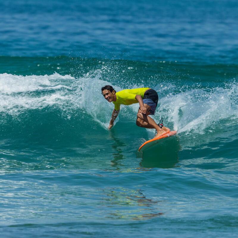 CUM SĂ ÎȚI ALEGI ȘORTUL PENTRU SURF?