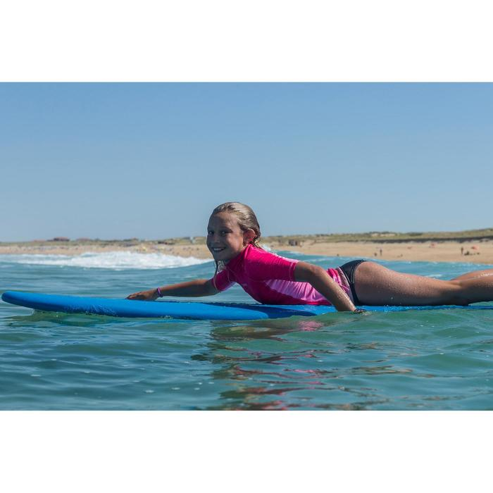 Surfboard in foam 100 7'. Geleverd met een leash en 3 vinnen.