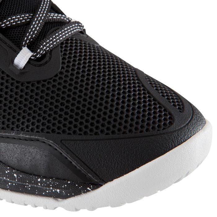 Zapatillas de cross training mujer negro y blanco Strong 900