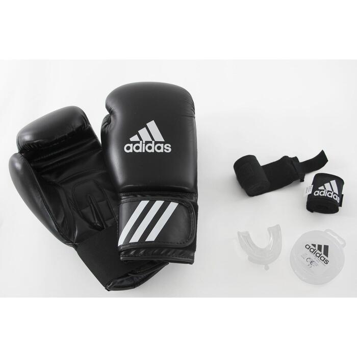 Set voor de beginnende bokser: bokshandschoenen, bandages, gebitsbeschermer