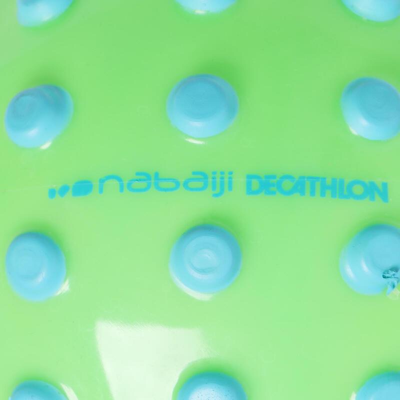 บอลขนาดเล็กสำหรับหัดว่ายน้ำ (สีเขียว/ลายจุดสีฟ้า)