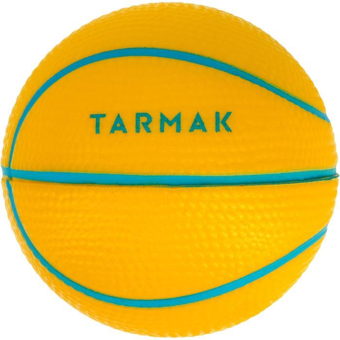 Minibalón de baloncesto EspumaPerfecto para jugar con minicanastas.