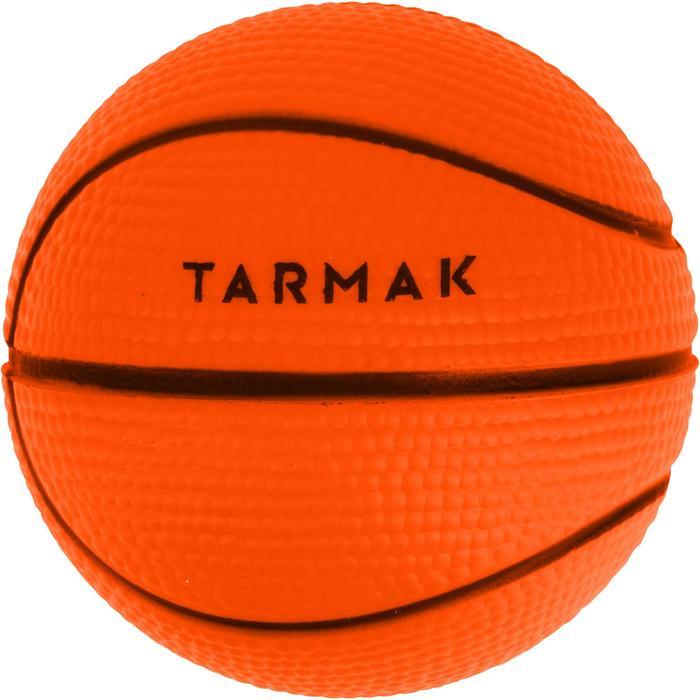 Mini ballon de basketball Mousse. Parfait pour jouer sur les mini paniers. - 1188170