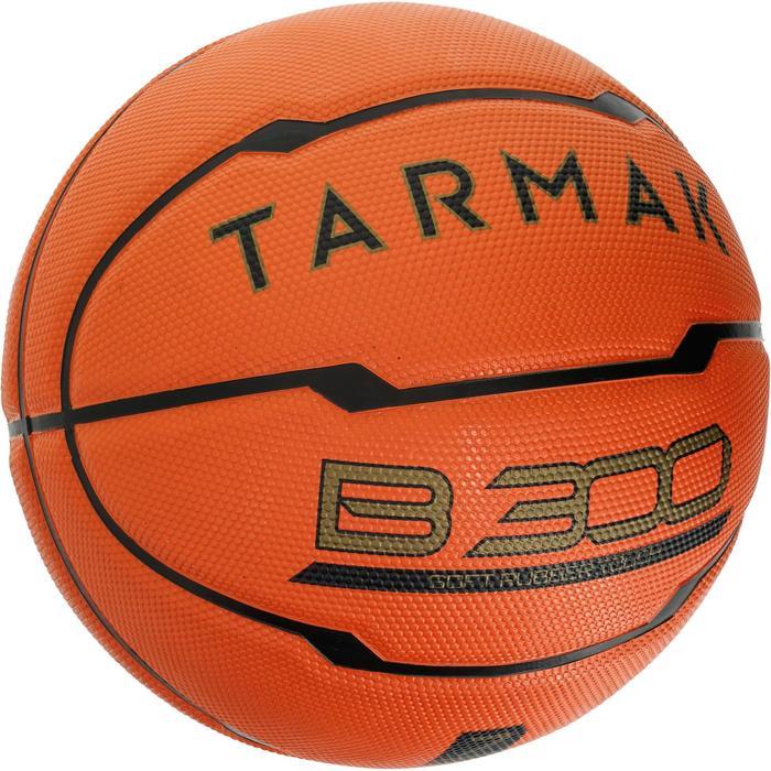 Ballon de basket homme B300 taille 7 orange. Pour débuter. A partir de 12 ans. - 1188184