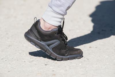 HW 540 حذاء مشي جلد للسيدات - بني