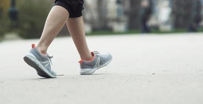 HW 540 حذاء مشي جلد للسيدات - لون بيج