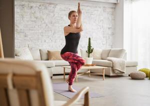 yoga-pour-cavalier-equitation-a-la-maison