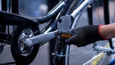 bike-stem-pedals.jpg