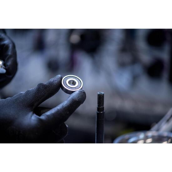 Vervangen van de lagers van 1 wiel of kogellager van het balhoofdstel