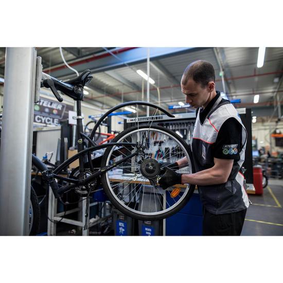 Changement d'un étrier de frein, d'un disque de frein, ou d'un frein tambour