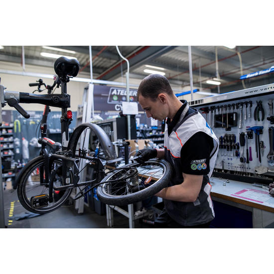 Vervangen van de riemspanner van de fiets BTWIN TILT