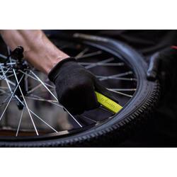 Changement d'un pneu et/ou de la chambre à air